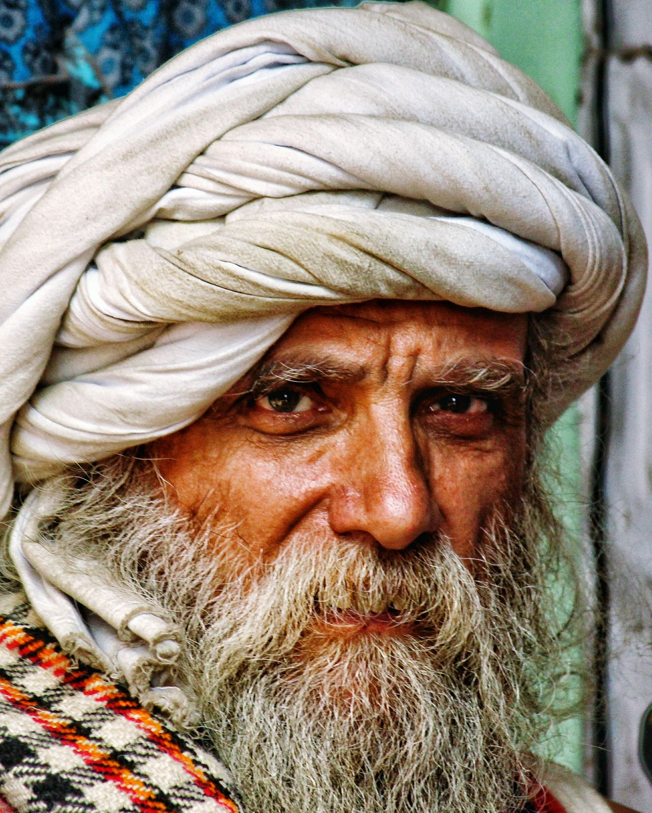When I see, when I look. I see love, I see expressions. Only Men One Man Only Human Body Part Outdoors Adult People Day Traditional Clothing Lifestyles Close-up Adults Only One Person Portrait Headshot Real People Senior Adult Looking At Camera Red Senior Men Studiophotography Mammal Men Beauty In Nature Sailboat No People
