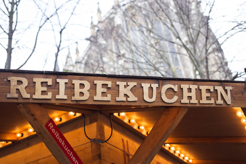 Christmas Christmas Decorations Christmas Market Christmastime Culture Eye4photography  EyeEm Gallery Font Food German Germany Information Sign Reibekuchen Text The Culture Of The Holidays Travel Destinations Weihnachtsmarkt Weihnachtsstimmung Weihnachtszeit Winter Xmas Xmas Decorations