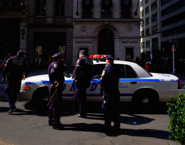 NYPD Fifth Avenue NYC New York City People Of New York Streetphotography FUJIFILM X-T1