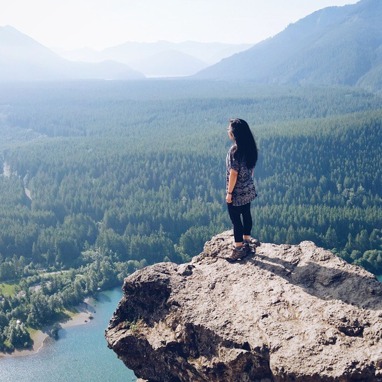 Ah, fresh air 😄 || Nature Hikingpnw Hiking PNW pnwdreaming thatPNWlife vscocam 📷: @wayoftay