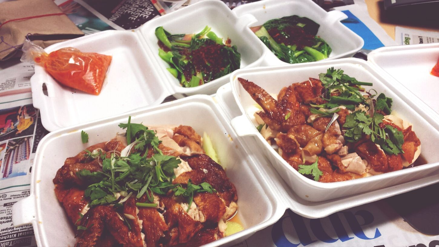 Hainanese fried chicken rice for lunch with colleagues. TheBreadeats Hainanese Chicken Rice Singapore Food Yummy♡
