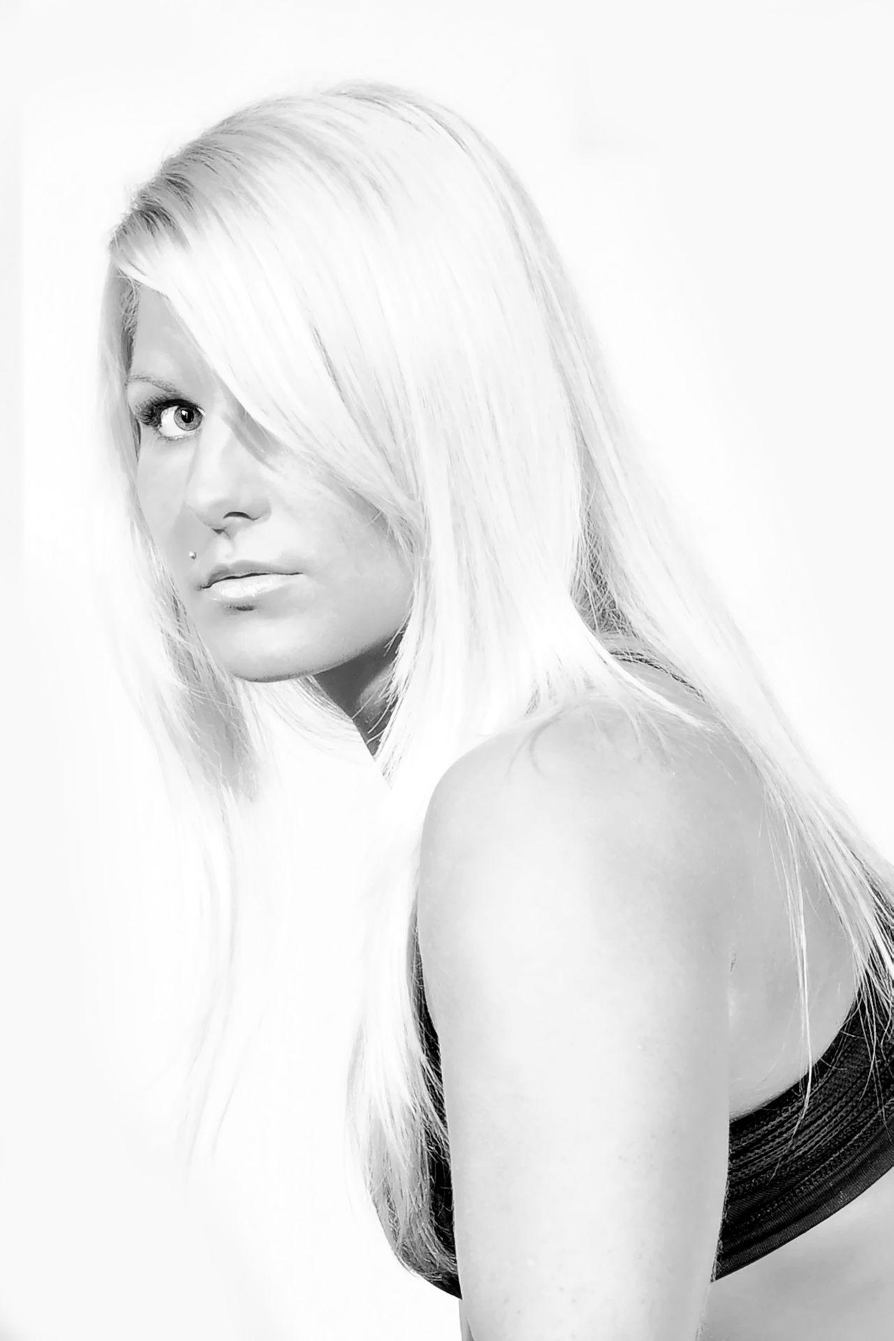 Gr8a Blonde Blackandwhite Eyes Portrait Portraitmaffia Pécs Ingym The Portraitist - 2016 EyeEm Awards