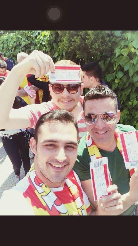 Göztepe Izmir Göztepe SAMPIYON GÖZTEPE Friends Hello World Hi! Izmir/ Bornova