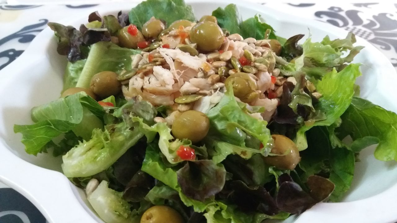 My Chicken Salad with Italian Dressing🤗 Salad Healthy Eating Food And Drink Food Ready-to-eat Freshness Vegetable Vegetarian Food Day My Cooking Yummy Food Chicken Salad Italiandressing Italian Dressing Yummy