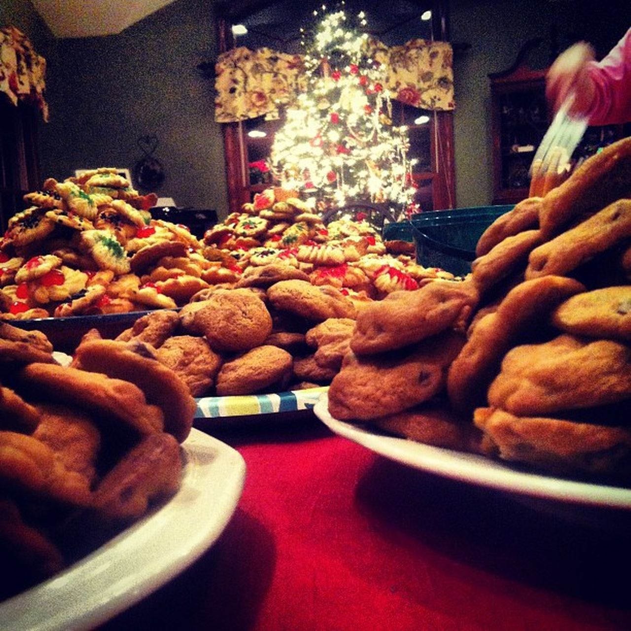 Cookies Cookiemountains Christmastime Christmastree chocolatechipcookies lights familytime love photo photography instagood