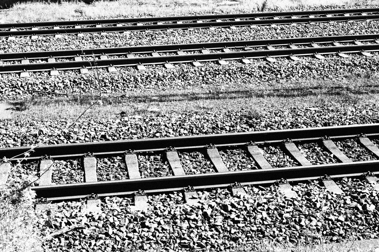 Zug Bahnschienen Schienen Black And White Black And White Photography Train Tracks Traveling Adventure Outdoors No People Grey Metallic Metal Close-up