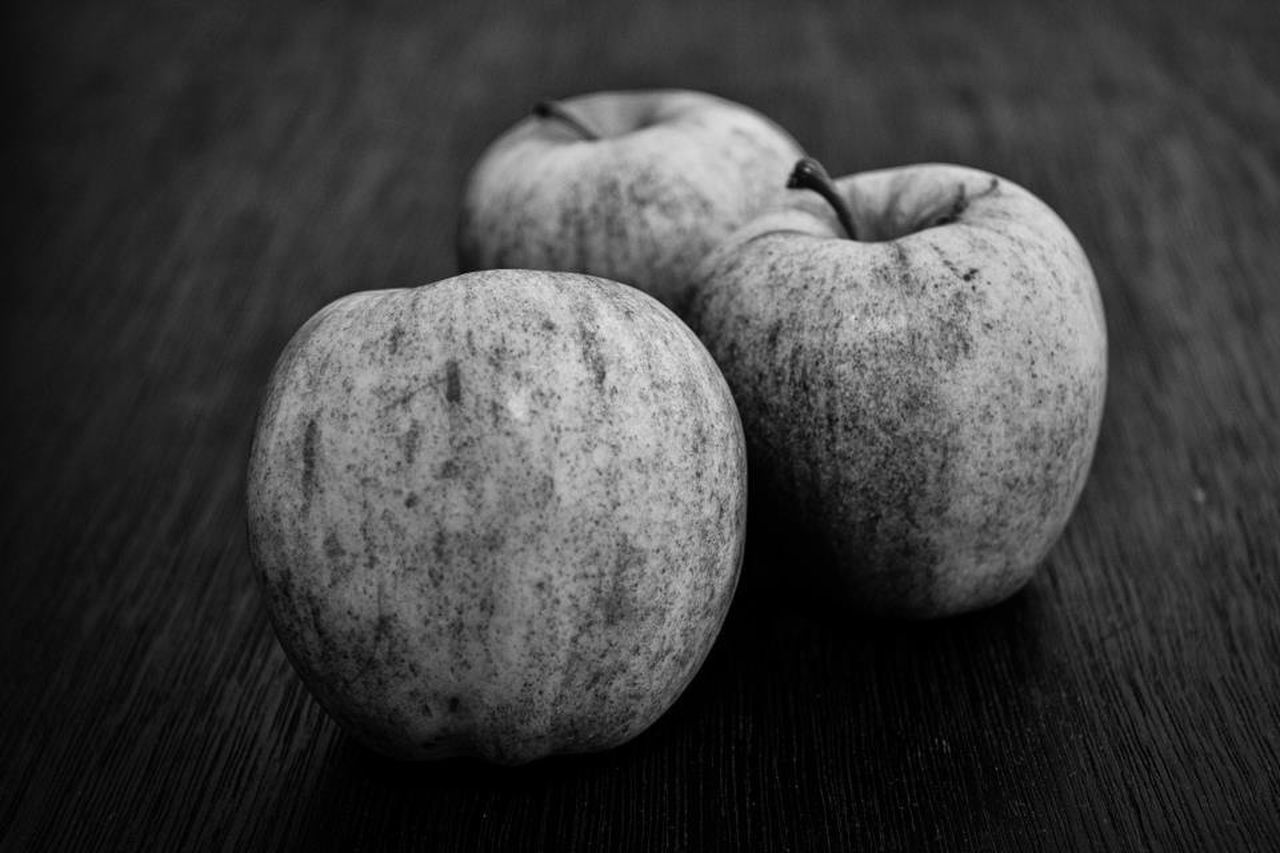 healthy eating, food and drink, food, close-up, no people, fruit, table, freshness, indoors, studio shot, day