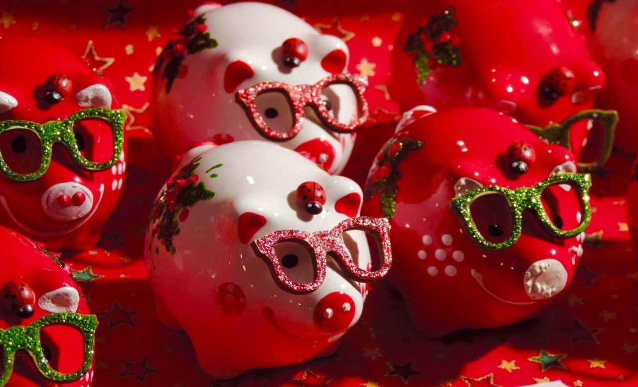 Christmas Around The World Zagreb, Croatia Piggies Glasses Ladybirds Be Merry And Bright Sparkling In The Night Love The Colours Cutest Piggies Ever Beautifully Organized Festive Season Happiness
