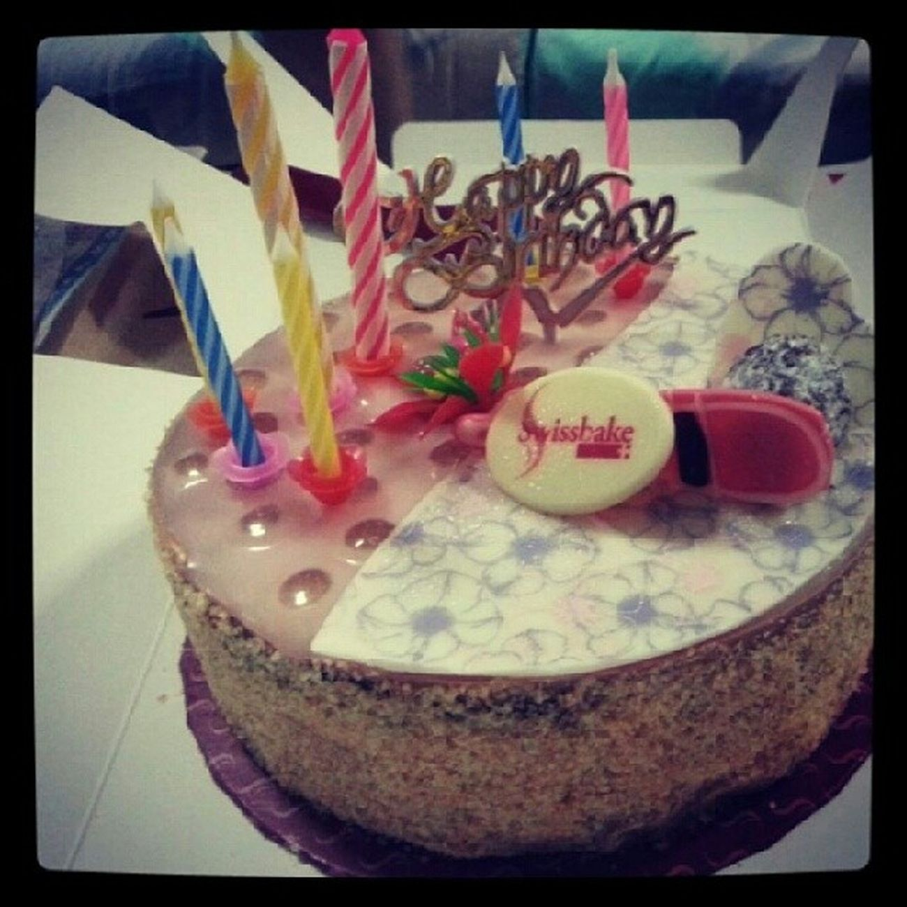 Happy 25th , Cousin! Champagncake YumYum Swissbake Cake yay