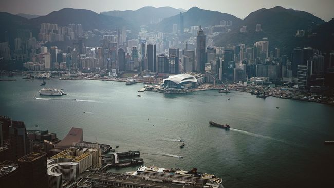 Oneday Harbour Discoverhongkong Leicaq Landscapes Cityscapes Beautiful Harbour View Oneday EyeEm Masterclass EyeEm Best Shots Light And Shadow Cityscape Leicacamera Captured Moment Found On The Roll Our Best Pics From My Point Of View Capture The Moment Hello World Taking Photos Urban Exploration Madeinwetzlar EyeEm Gallery Skyscraper Life
