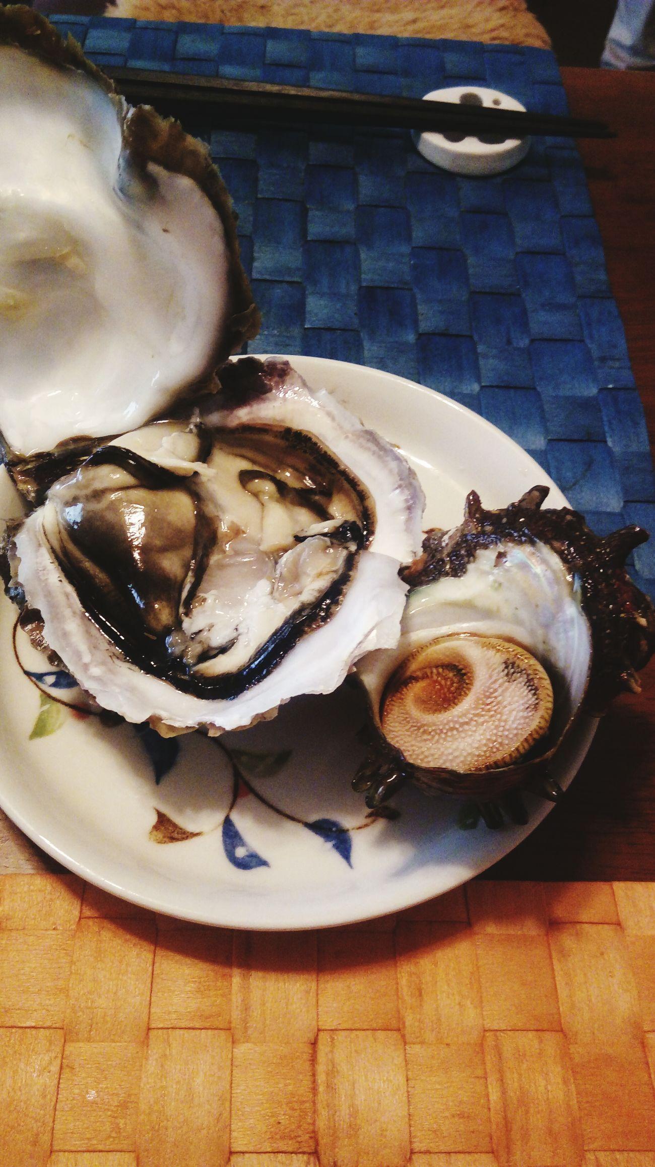 岩牡蠣ってこんなにおっきいんですね!!Chablis より日本酒でした😋 岩牡蠣 Oyster  Sobig 栄螺 日本酒 Chablis  Sake
