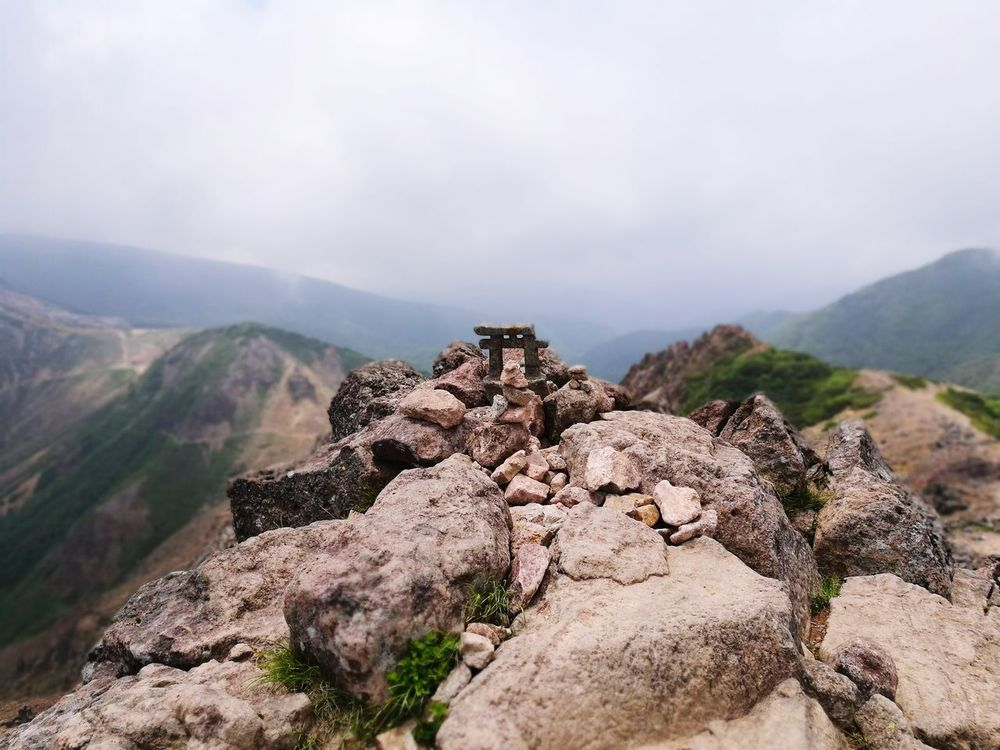 Landscape No People Rock - Object Nature Tranquility Travel Destinations Outdoors Mountain Desert Day Scenics Sky Beauty In Nature 百名山 Mountain Range