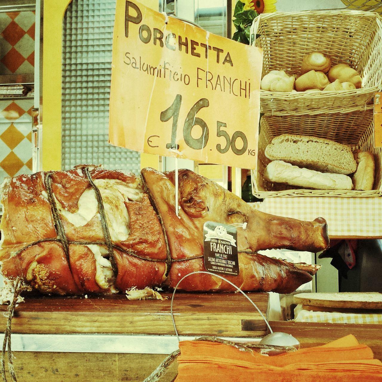 Sur le marché de Piombino ...Italia Vintage Porco
