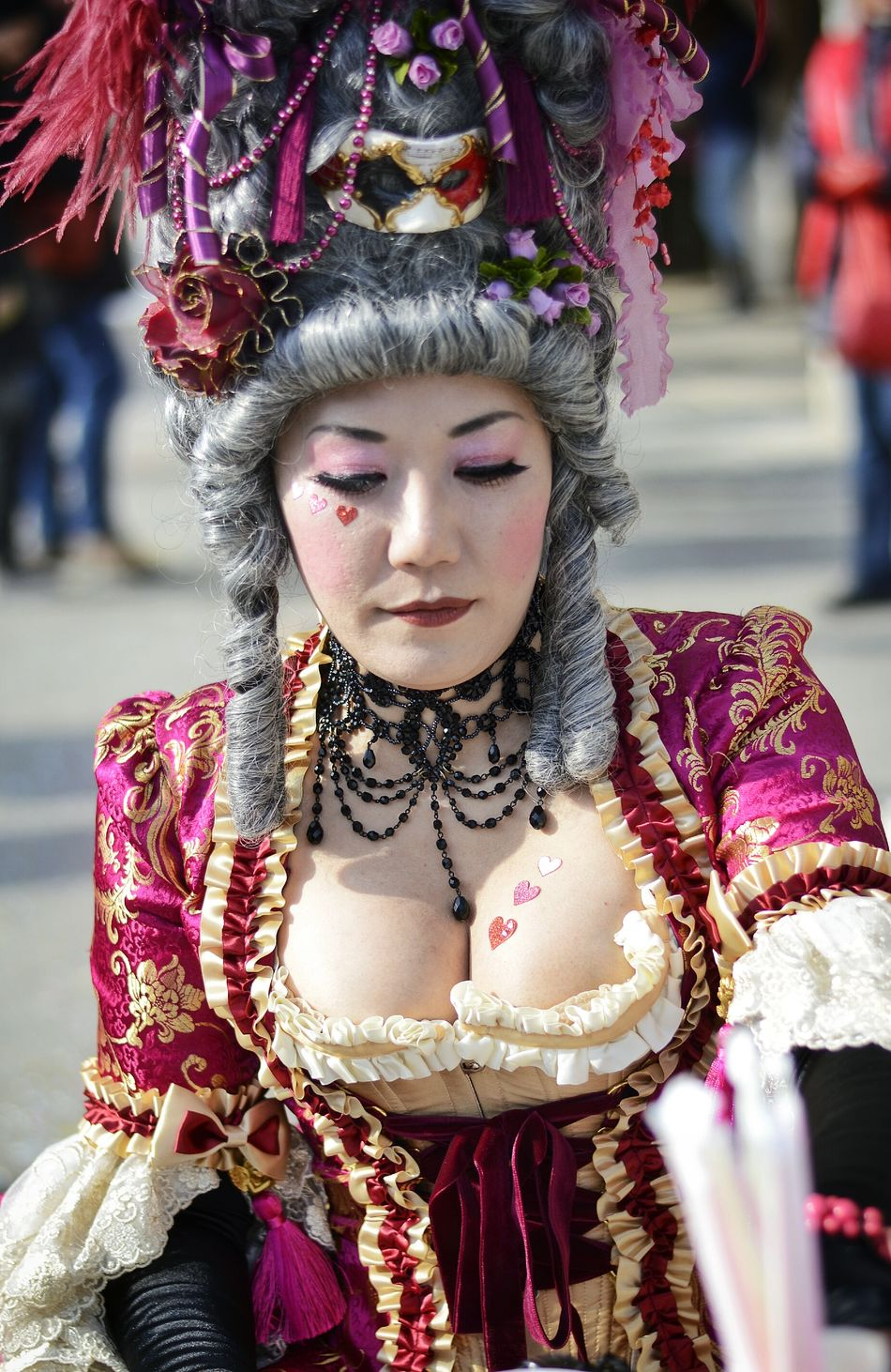 Colors Of Carnival Pink Heart Pink Lady Venice Venice Carnival Streetphotography Street Photography Streetphoto_color Street Portrait Curvygirls Carnival The Portraitist - 2016 EyeEm Awards The Street Photographer - 2016 EyeEm Awards People And Places Women Around The World