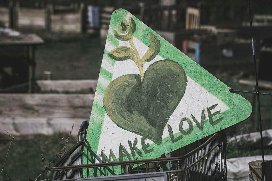 ~ 🌱💚 ~ Make Love Resist
