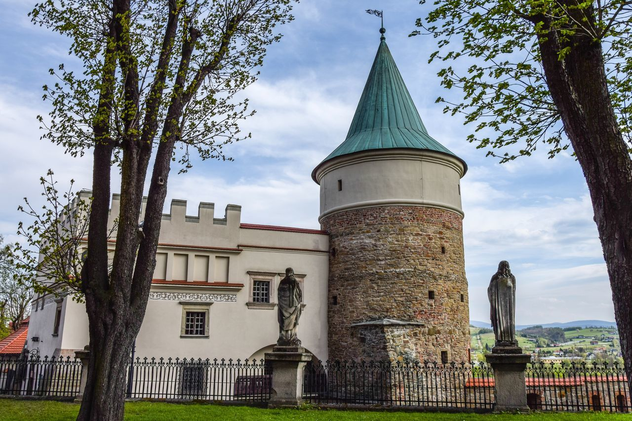 Biecz Architecture Built Structure Building Exterior Castle View  Castle Walls The Secret Spaces Beautiful Nature Silhouette EyeEmNewHere Exceptional Photographs Art Is Everywhere Travel Destinations History Religion Architecture Nature First Eyeem Photo Eye4photography  Outdoors City Poland