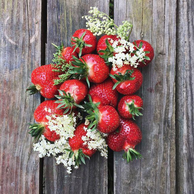 FoodPairing Strawberries Erdbeeren Food Styling kept simple Foodpic Food Photography Delicious Food Foodie Healthy Eating Fruits