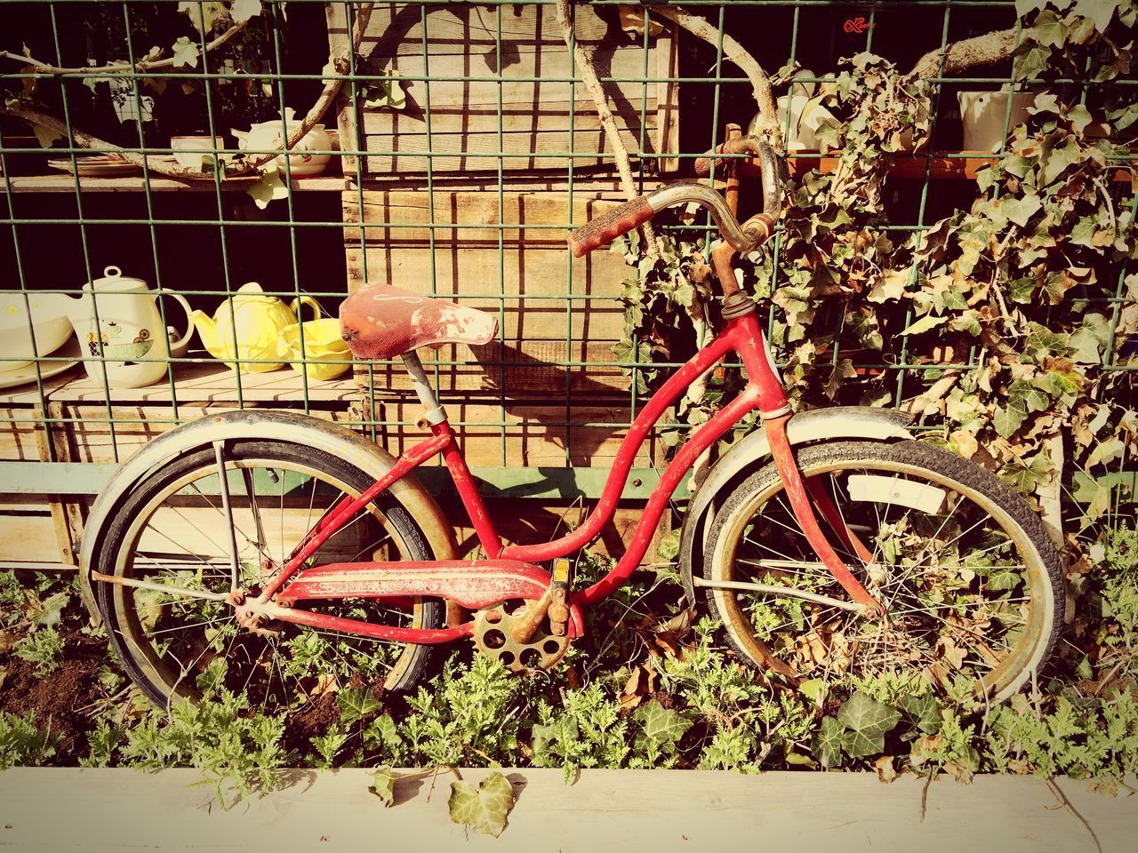 bicycle, transportation, mode of transport, no people, stationary, outdoors, day, land vehicle, abandoned, bicycle rack