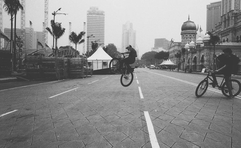 Talented kids everywhere. EyeEmMalaysia Streetphotography Filmisnotdead Believeinfilm Fomapan Leica M6 Filmphotography Blackandwhite Film Photography Capture The Moment B&w Street Photography