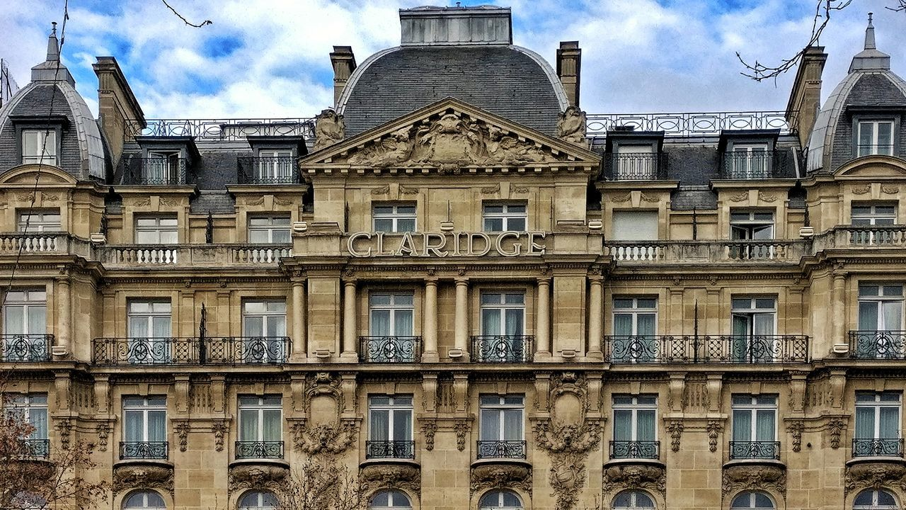 Champselysées Plus Belle Avenue Du Monde AndroidPhotography PhonePhotography France 🇫🇷 OneplusShot Oneplus3 Snapseed Day Outdoors No People Building Exterior Built Structure Architecture History Paris
