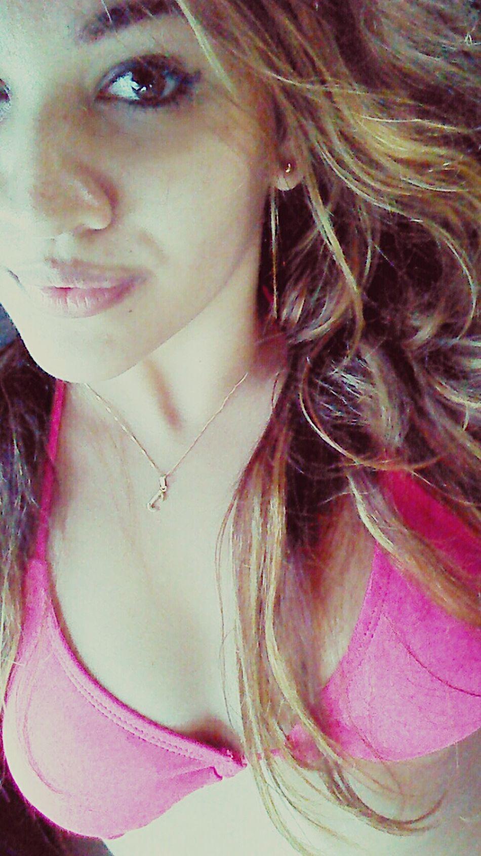 Beach day :) Enjoying The Sun Relaxing Latina ♥ Selfie ✌