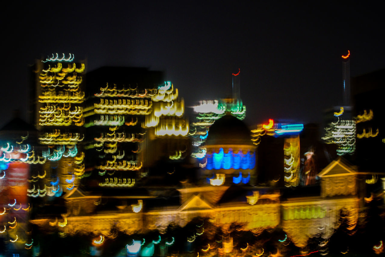I know it's hard to believe, but I didn't use any tripod LOL 18-105mm Architecture Blur Blurred Blurred Motion Blurred Visions Blurry Building Exterior City Cityscape Illuminated Lights Motion Motion Blur Night Night Lights Night Photography Nightphotography Out Of Focus Outdoors Skyline Slow Shutter Sony A6300 Urban Urban Skyline