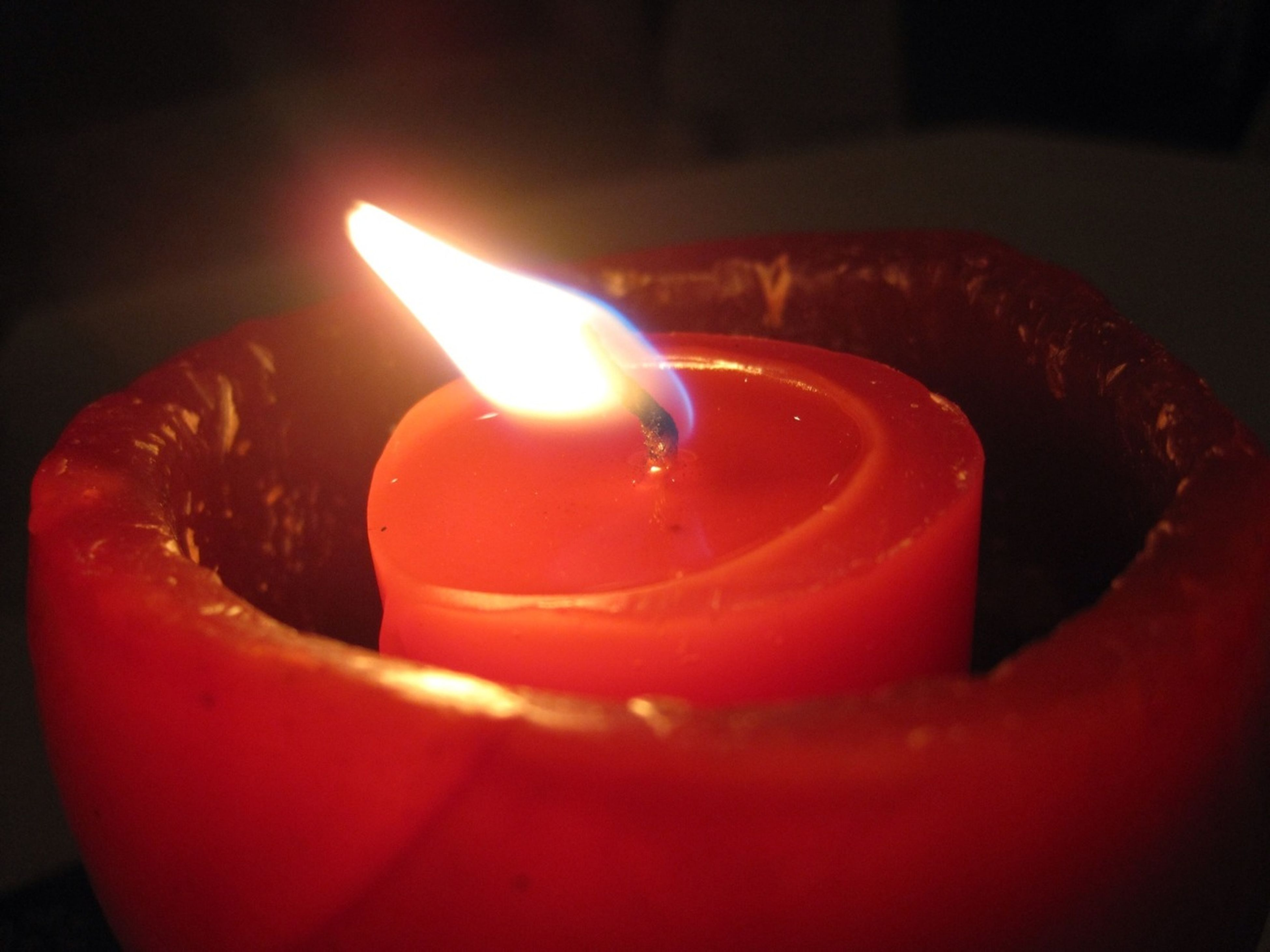 flame, burning, fire - natural phenomenon, candle, heat - temperature, indoors, glowing, close-up, illuminated, candlelight, lit, still life, fire, night, focus on foreground, selective focus, dark, red, table, tea light