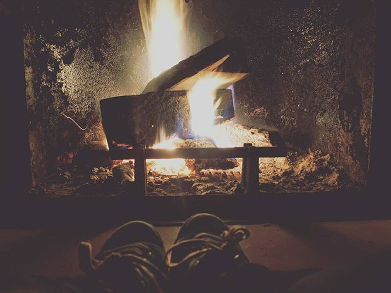 Home Homefire Fire Hot Family Casa Fuoco Caldo Famiglia Loneliness Solitudine Casamia Dark Darkness Oscurità Black Nero Winter Inverno Inverno15 Soymix Waitingforchristmas Waiting Christmas Xmas relax relaxed