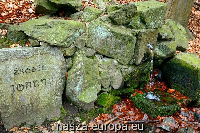 Źródło Joanny. Masyw Ślęży. Sobótka Sobotka ślęza Masywślęży źródło Przyroda Zima Polska Poland Enjoying Life Spacer