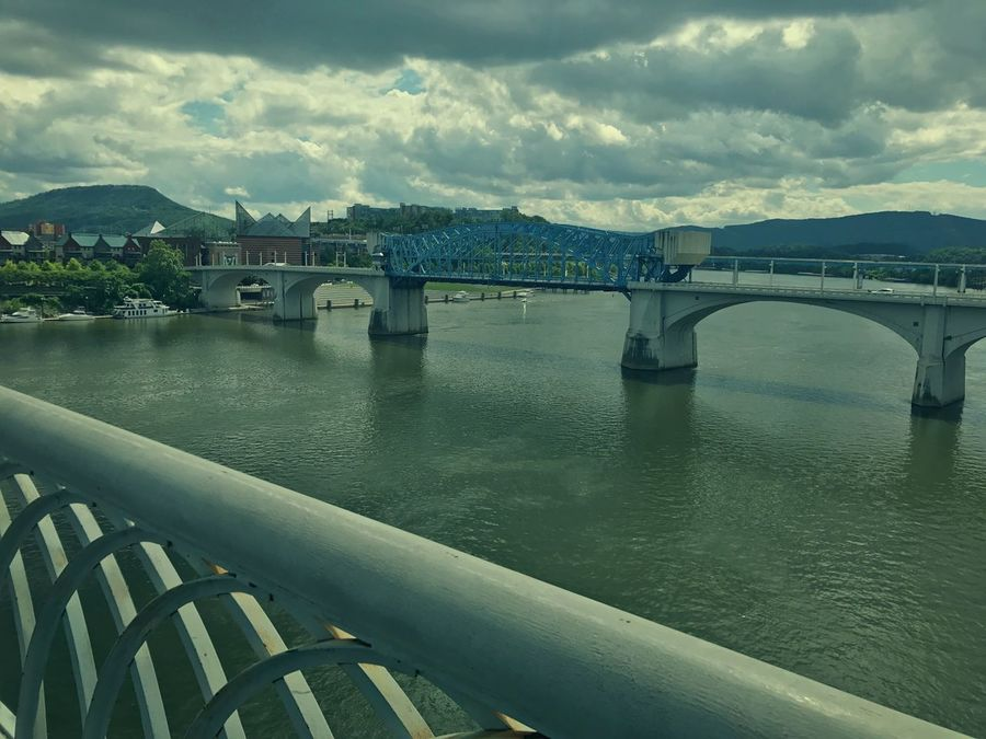 Chattanooga Tennessee Walnutstbridge Tennessee River  Noogagram River Bridge