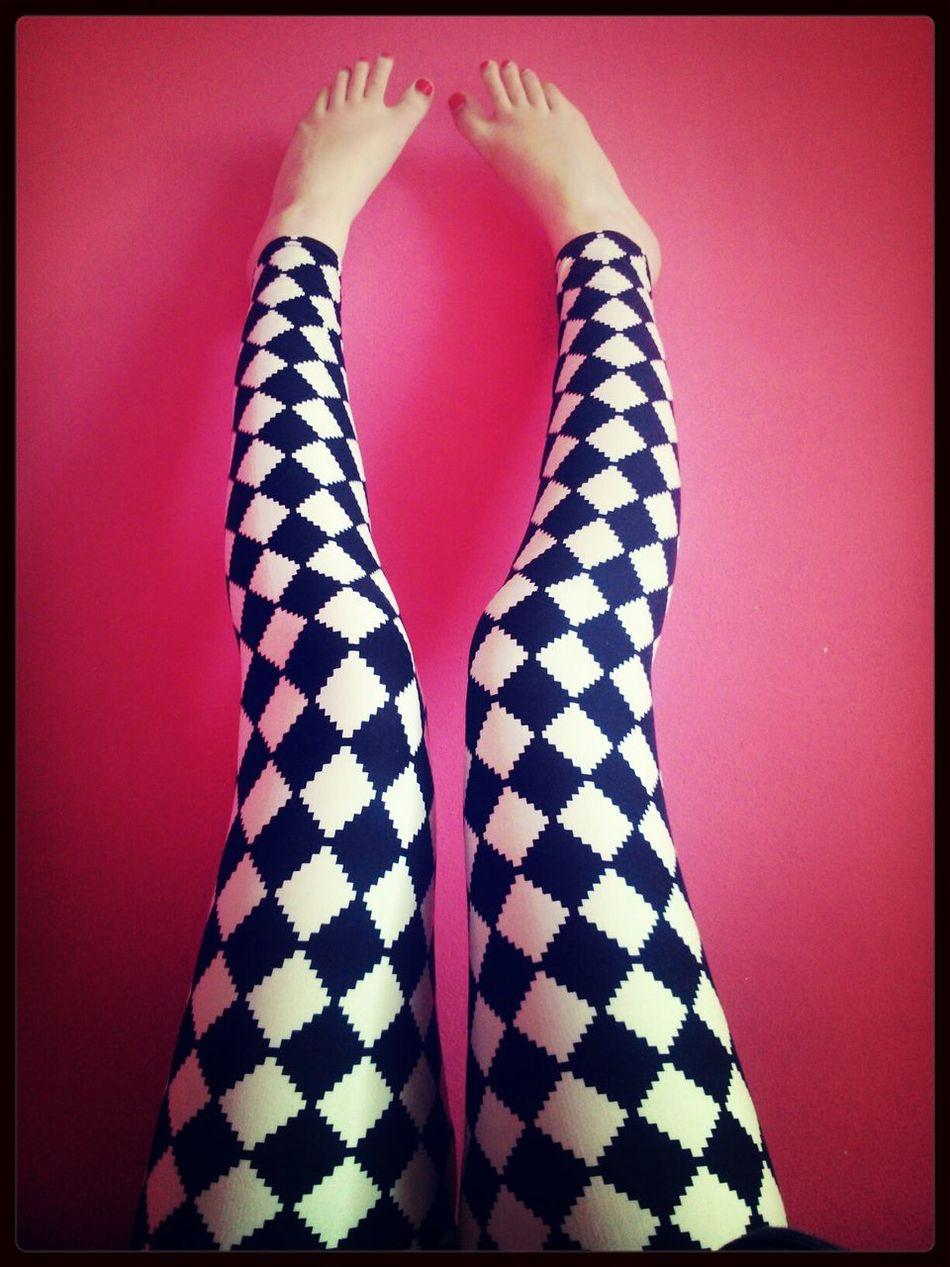 Leggings Black & White Pink Wall ♡♥♡ Oh My Legs