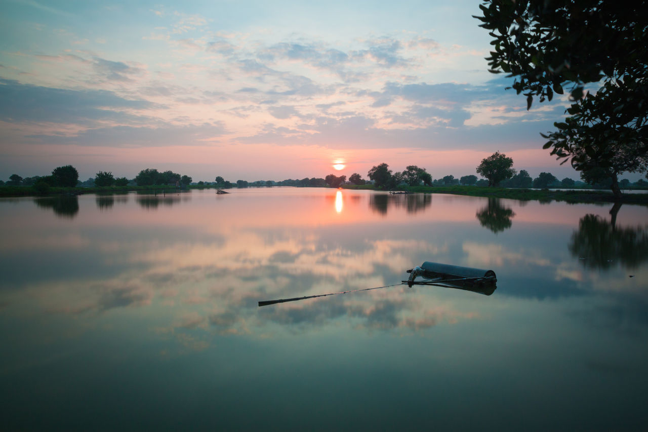 Morning show Reflection Water Lake Cloud - Sky Sky Sunrise Morning Light Morning Morning View Morning Glow Morning Glory Morning Sunrise Water Reflections Landscape Beauty In Nature Nature Outdoors Reflection EyeEmNewHere