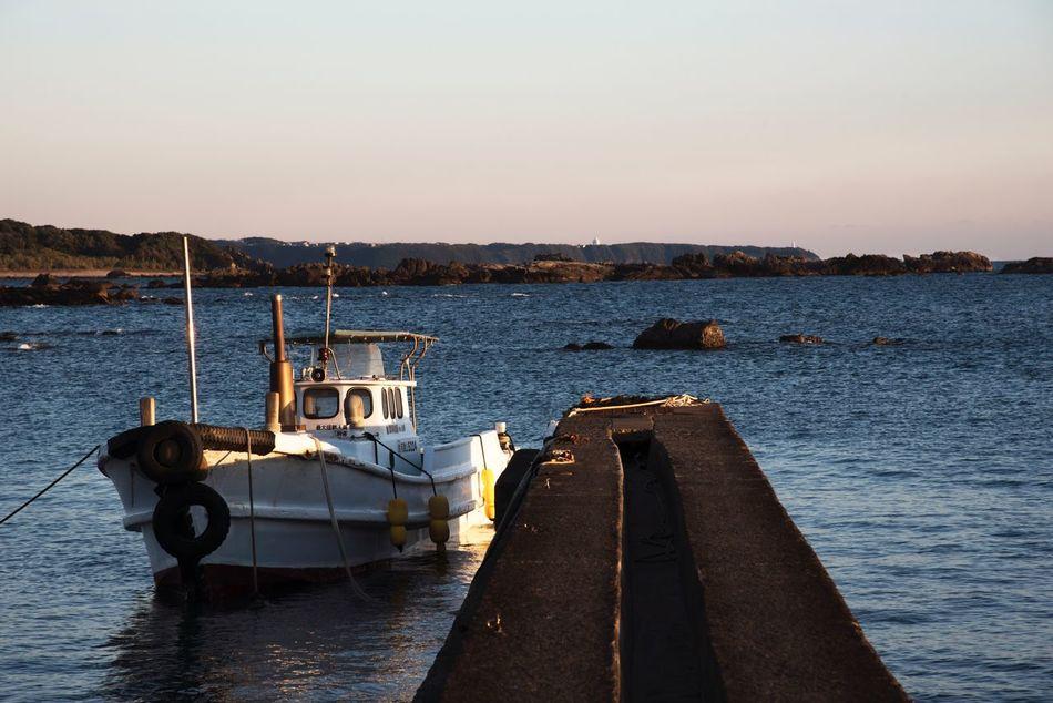 夕暮れ 船 Boat Sunset Sunset_collection Sea Beauty In Nature EyeEm Japan EyeEm EyeEm Gallery EyeEmBestEdits EyeEm Nature Lover Beauty In Nature Eyemphotography Eyeem Market EyeEm Best Shots EyeEmBestPics 2016 12月