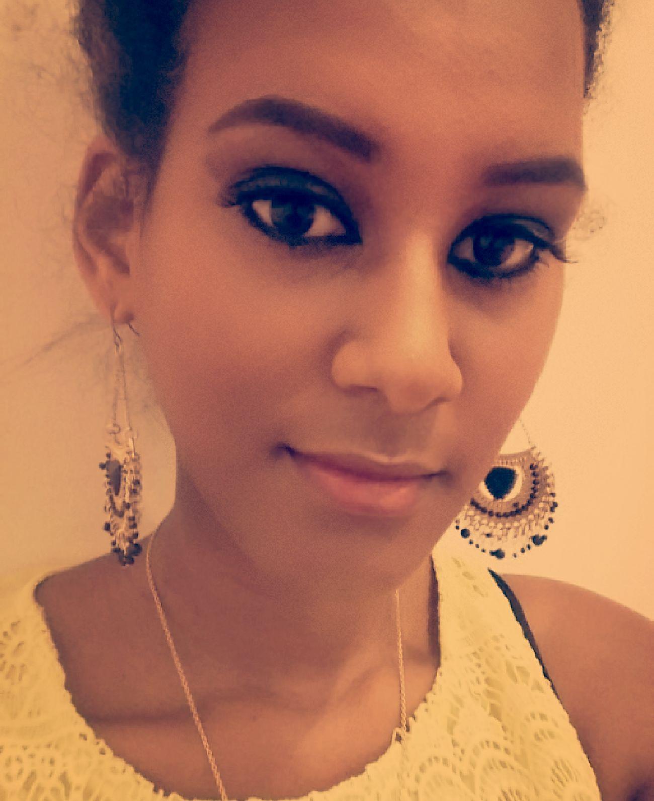 Selfie Follow_me Curly Hair Blackgirl Beauty Smokey Eyes Picoftheday That's Me Happy