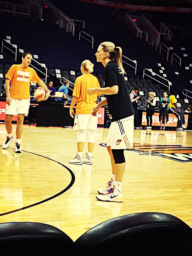 Penny Taylor warming up before the game. Wnba Basketball Check This Out Cool