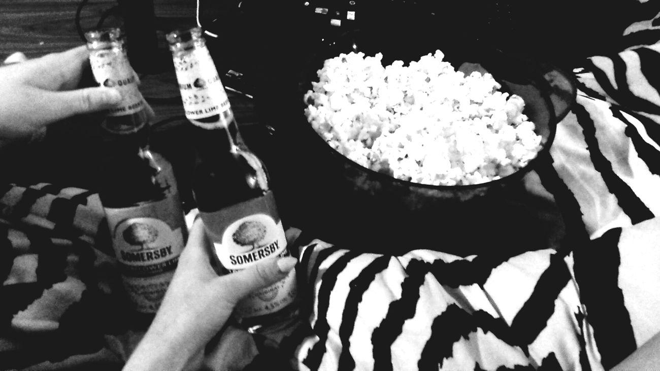 Chillwithfriends Watchingfilms 😎✌👍👽