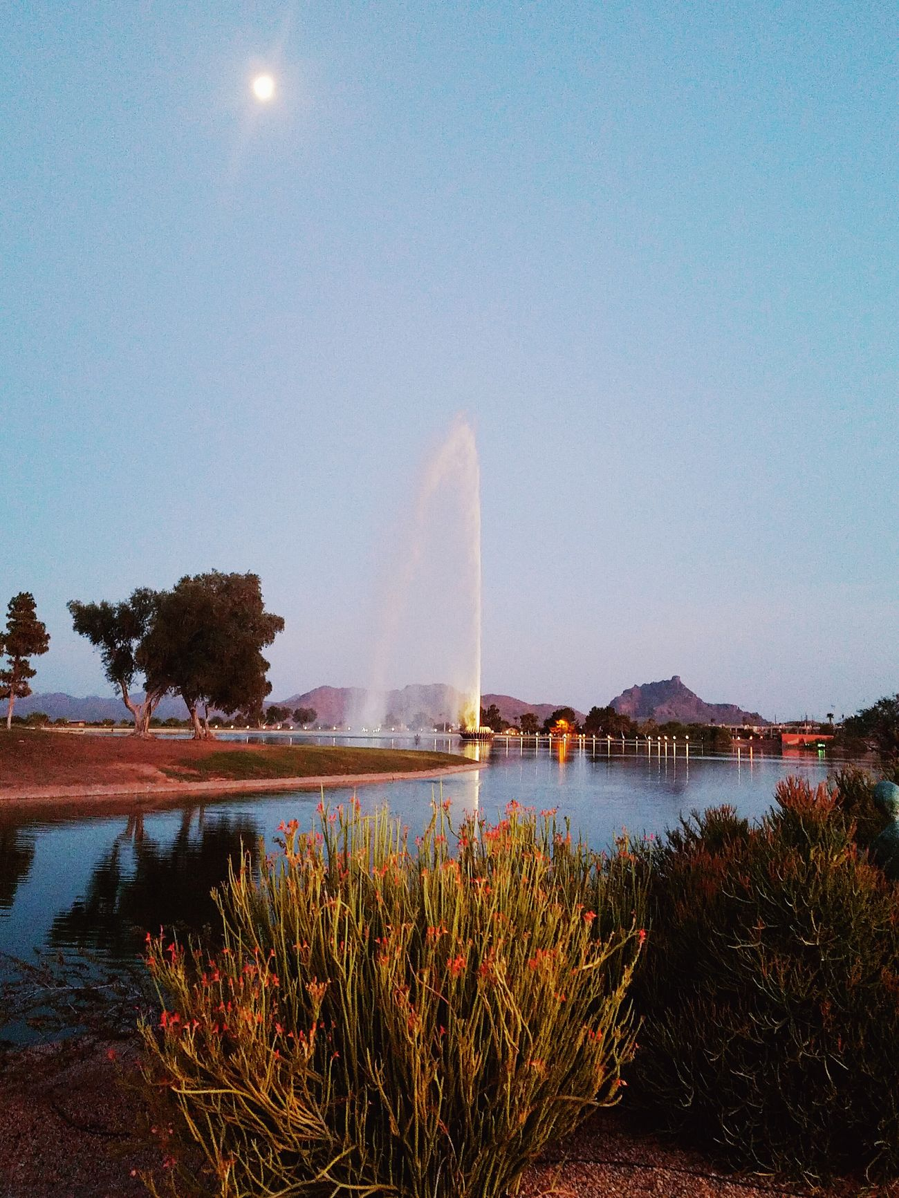 Cheese! Check This Out Hanging Out Enjoying Life Sunset_collection Walking Getting In Shape Lakeside Fountain Fun LargestintheWorld Natural Beauty