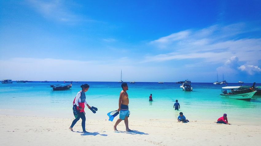 Walked EyeEmNewHere Outdoors Landscape Good Day Sky Beach Walk Beach Photography Island Hopping Koh Lipe Thailandtravel Connected By Travel