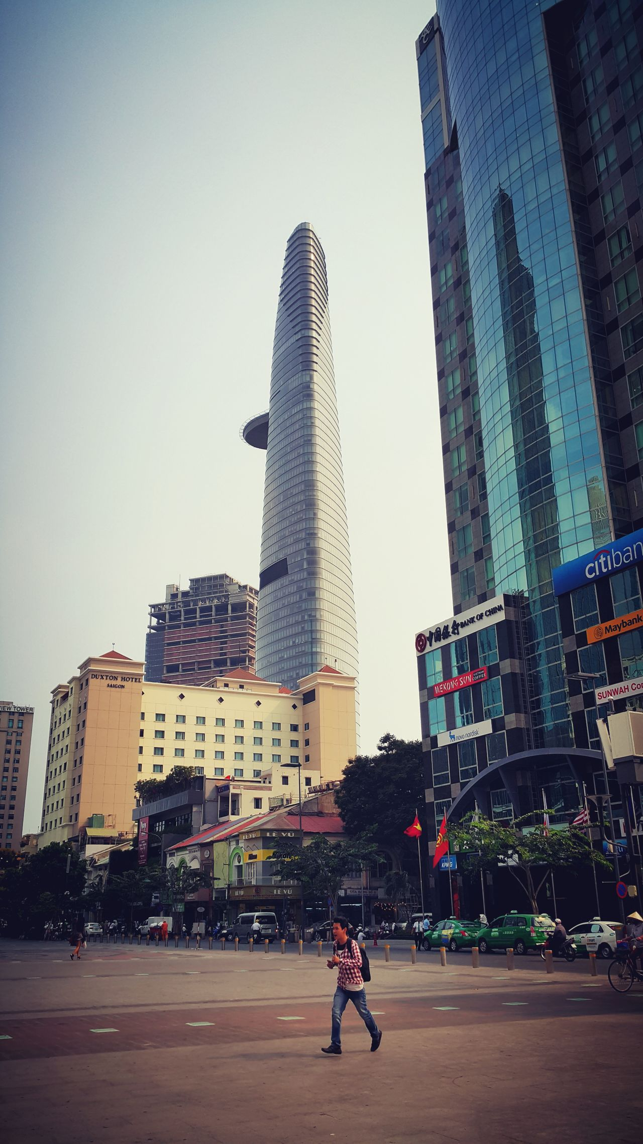 Saigon Day Day In Saigon Beautiful Bitexcofinancialtower NguyenHue Street Taking Photos Hanging Out Nice Day Nice View