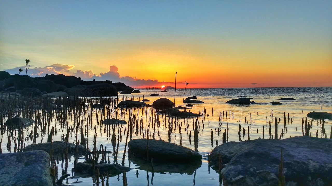Sunset Sea Beach Water Sky Outdoors Horizon Over Water Nature Silhouette Vacations Sun Travel Destinations Day Saronde_island Gorontalo