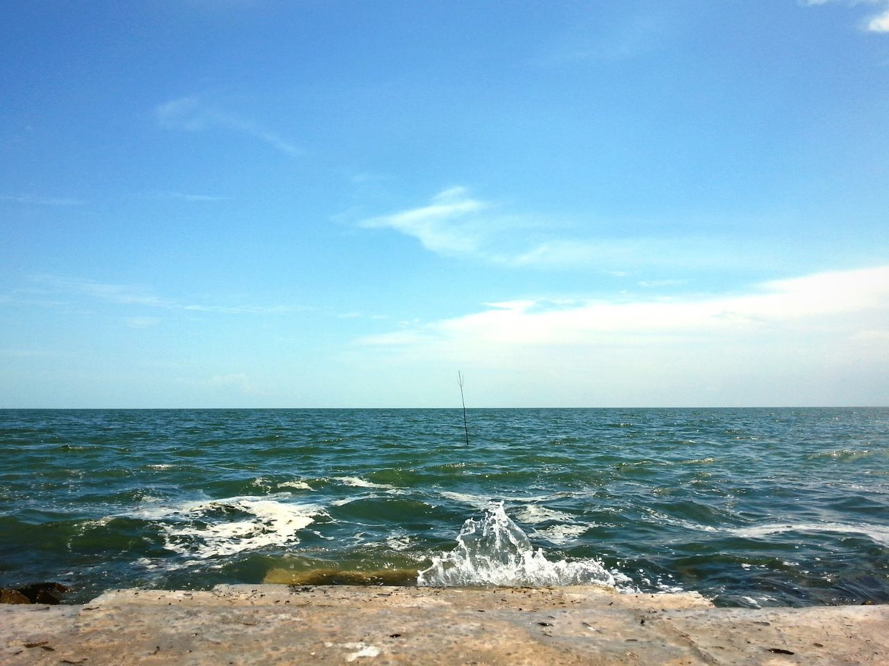 sea, horizon over water, water, beauty in nature, nature, scenics, sky, tranquil scene, tranquility, idyllic, outdoors, no people, day, blue, cloud - sky, wave, beach