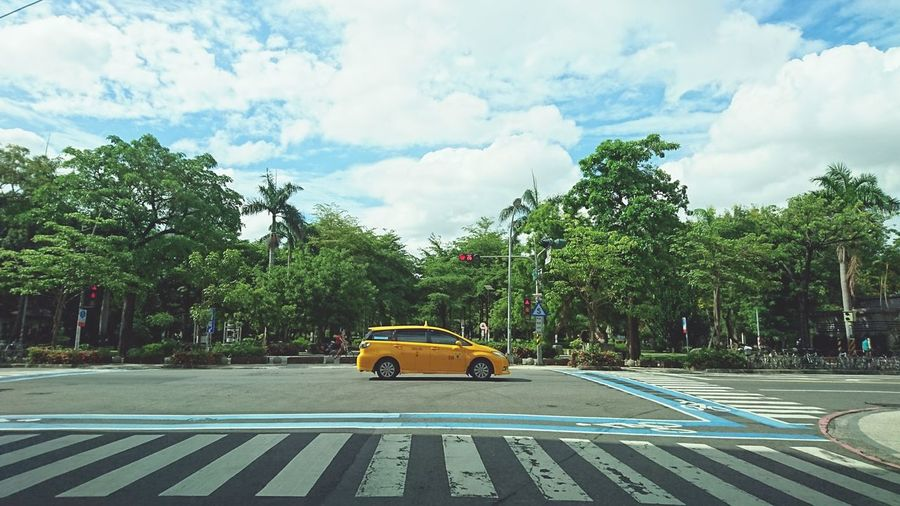 Streetphotography On The Road Street Photography Mobilephotography Mobile Photography Automobile Car Taxi Transportation Crosswalk Cityscapes Sky Sunny Day EyeEm Taiwan Sony Xperia Z5 Compact Colorful