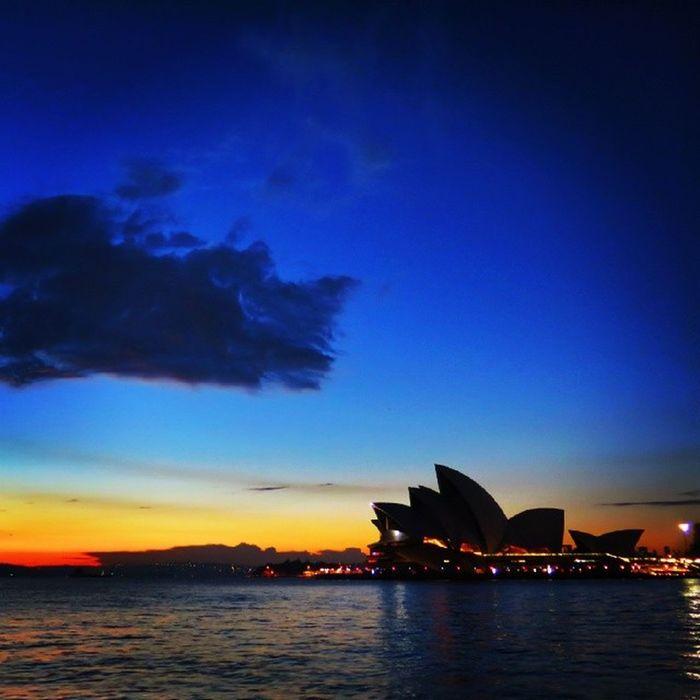 Morning Opera @klikarbain @arbainrambey Ilovesydney @sydney Newsouthwales @VisitNSW @SydneyFixer Travel Instagood Tourist Sunrise Travelgram Australia Architecture Travel Photography Urbanphotography Monument Sidney Operahouse