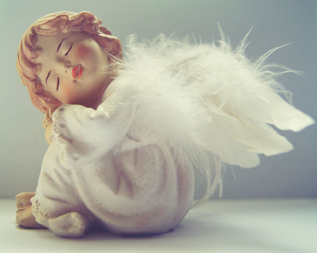 Fragility Doll Angel Wings Angel Statue Small Thing Christmas Decorations Christmas Spirit Indoors  No Pepole Softness Soft Colors  White Background White Color