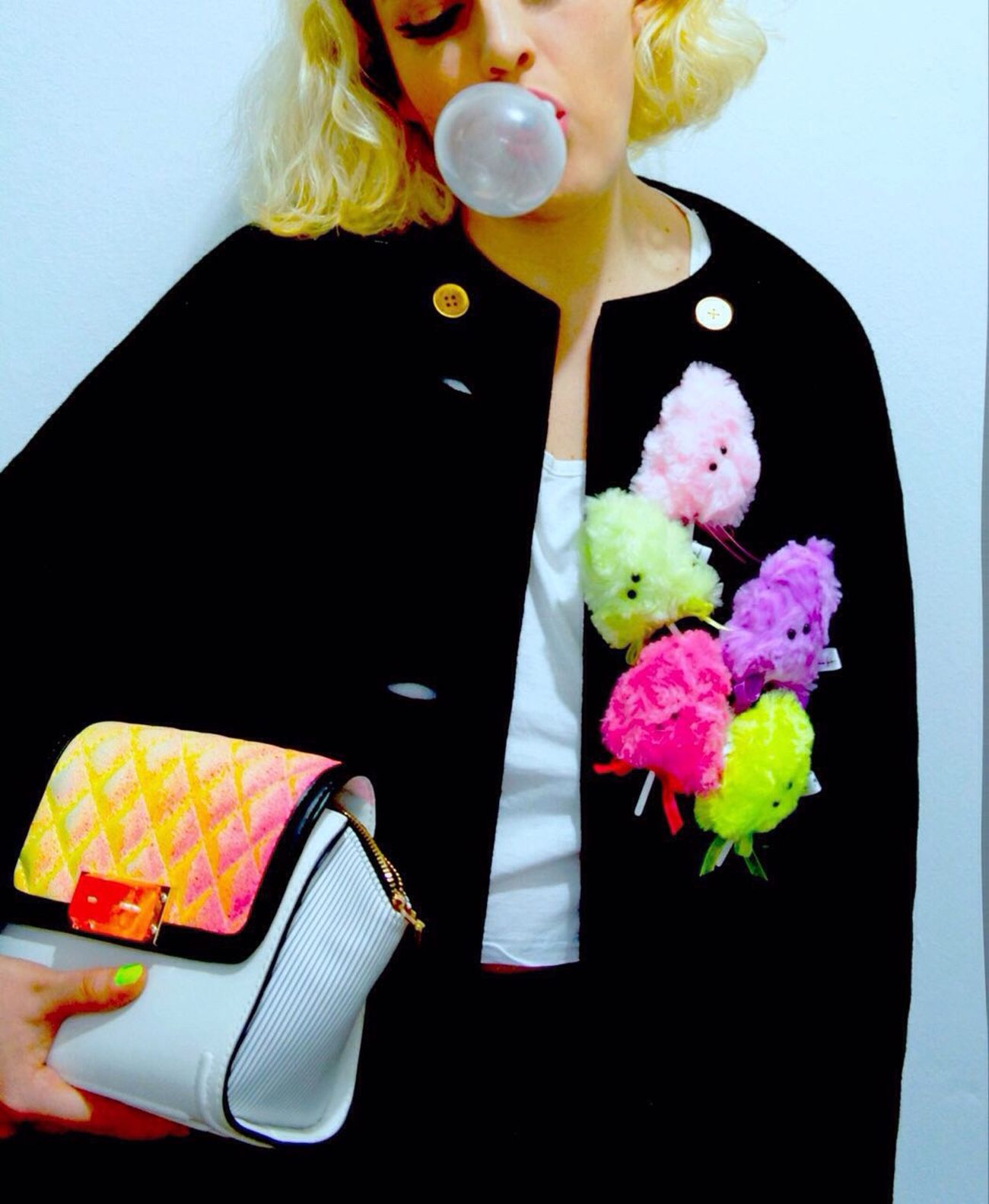 Cotton candy dealer🍭✨😘 Color Of Life EyeEm Gallery Eye4photography  Laviniafenton Art Fluo  Girl Colorful Portrait Of A Woman Cottoncandy Bubblegum Fantasy Design Etsy Brooch Fun New Pin Pink Sunday Fashion Wall Streetphotography Handmade