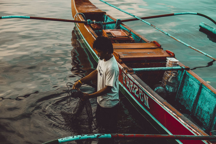 Fisherman Fish Net Boat Fishingboat EyeEm Gallery Eyemphotography Photooftheday October_gallery Balete Batangas Lake Taal Province