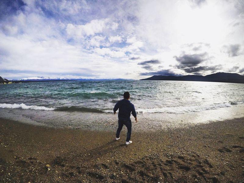 Probando la GoPro Tolhuin Tierra Del Fuego Tolhuin Tolhuin Argentina Water Sea Beach One Person One Man Only Only Men Cloud - Sky Men Sky Vacations Nature