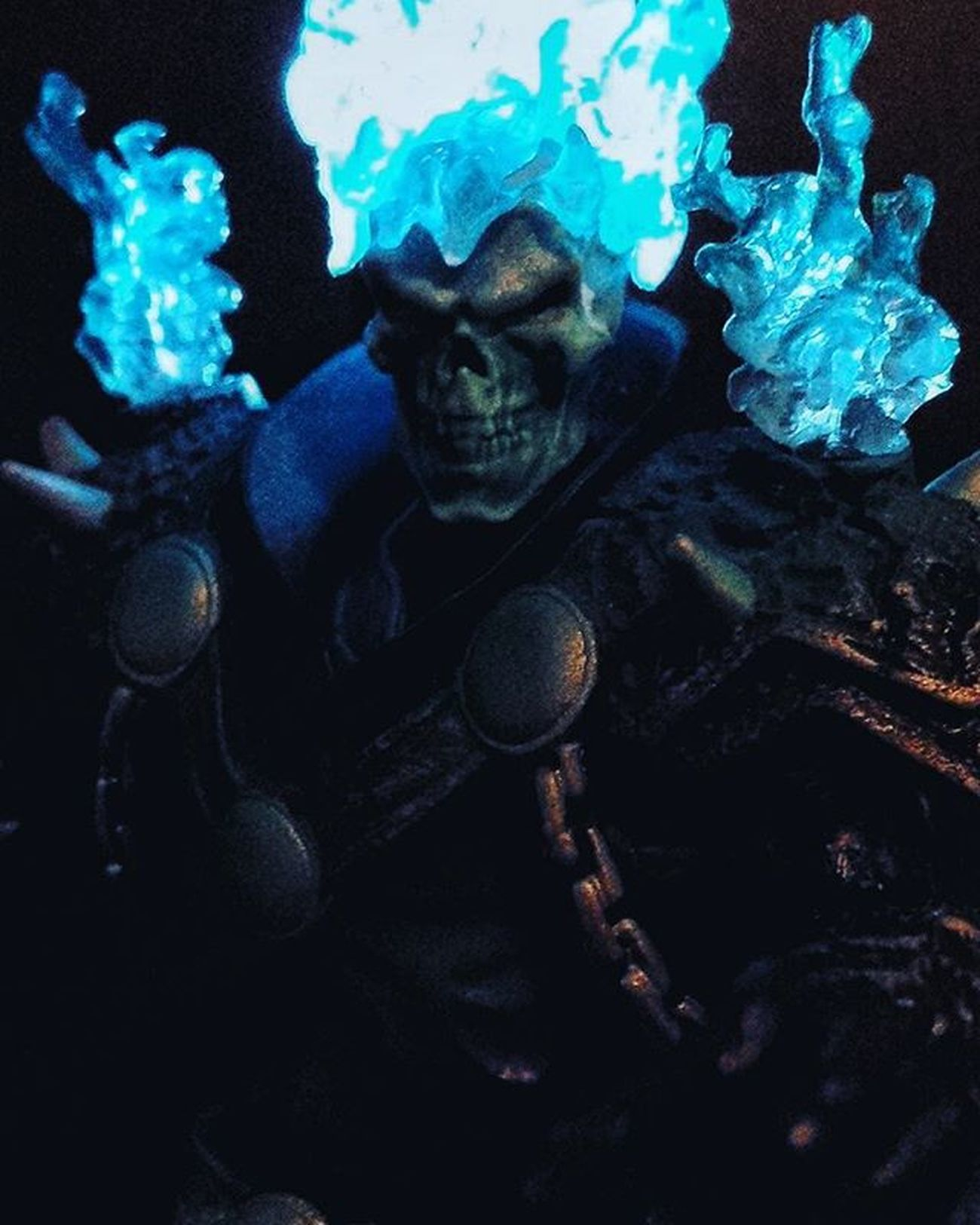 Shot inspired by @_geekspot_ Check out his shot if you want a cooler-looking pic of the Ghost Rider. ➖➖➖➖➖➖➖➖➖➖➖➖➖➖➖➖➖➖➖➖ Marvel Marvellegends Ghostrider Toyfigures ToyPoses Toyphotography Toyelites Toyslagram Toyunion Toyartistry Toyartistry_elite Toyslagram_toyartistry_dual_feature Toysnapshot Toyboners Toys4Me Rebeltoysclub Toygroup_alliance Ata_dreadnoughts ATA_MARVEL Anarchyalliance Toyphotogallery Toysrmydrug Toys4life Toysyn Jj_toys TheFigureVerse EpicToyArt