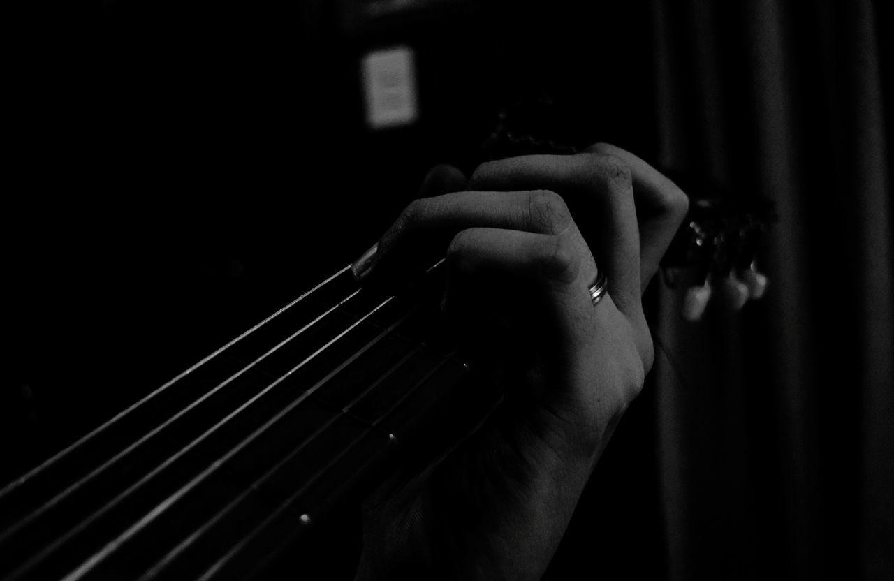 NIKON D5300 Argentina Photography Nikon Argentina Guitar Fingers Guitar Player Guitarra Acorde Guitarras Guitarrist Guitarra Criolla Guitars Guitarrista Dedo Blackandwhite Photography Blackandwhite Black And White Cuerdas Cuerdas De Guitarra Cuerdas En Acción Nikonphotography