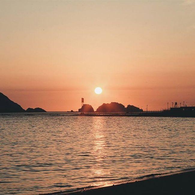 Octavo día del año, sunset capturado. VSCO Vscocam Sunset Horizon Colores Summer Fotografia Chimbote Caleta Bahia Featuremeinstagood Letsgosomewhere Exploremore Sky Outdoors Travel Destinations Peru Beachphotography Skylovers